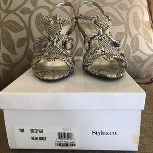 Snake print Size 10 Shoes